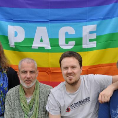 Das Team des Netzwerk Friedenskooperative: Elise Kopper, Kristian Golla, Philipp Ingenleuf und Marvin Mendyka