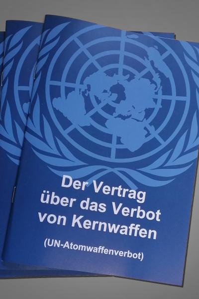 Broschüre Atomwaffenverbotsvertrag